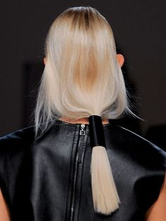 The Ponytail - At Helmut Lang, the low, loose ponytails were wrapped with a thick piece of leather. (The Best Hair of Spring 2014 Fashion Week - NYFW Hair Trends) Helmut Lang, Hair Inspo, Hair Inspiration, Loose Ponytail, Slick Ponytail, Diy Beauté, Runway Hair, Hair Affair, Love Hair
