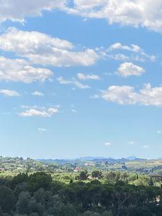 Esta foro esta echa con el zoom de mi movil desde las vistas de la terraza de mi casa: decr que no fue facil hacer la foto ni encontrarla! Asiq ue espero que tenga apoyo. ✊🏻🥺💖 Nature, Travel, Outdoor, Home, Terrace, Scenery, Pictures, Outdoors, Naturaleza