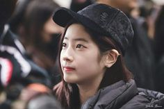 """Dahyun-Twice 171106  """"TWICE×MLB"""" Gimpo Airport Kpop Girl Groups, Kpop Girls, Twice Once, Twice Dahyun, Im Nayeon, Korean Group, One In A Million, Cute Pictures, Rapper"""