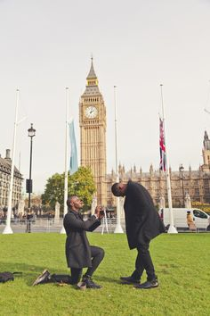This same-sex proposal in front of Big Ben has us in tears. He had a caricature artist help in the cutest way!