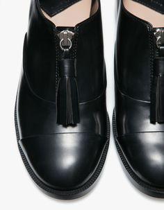 Le migliori 43 immagini su Shoes. | Sandali, Scarpe