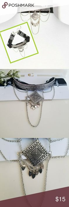 """Bandana Choker Necklace Beautiful brand new with tag Charming Charlie Etched Bandana Choker Necklace. """"Achieve rode chic style with this trendy choker necklace! A classic bandana gets a gleaming touch with an etched plate detail and scalloped delicate chains."""" No damages. Charming Charlie Jewelry Necklaces"""