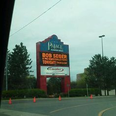 Bob Seger concert at the Palace in Auburn Hills, MI ~ I actually got to see Bob Seger play live in my life and it was f-a-n-t-a-s-t-i-c!!!!!