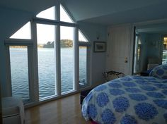 Don't miss either of the two gorgeous bedrooms inside this cottage-like houseboat