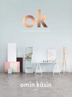 Finska Susanna Vento Varpunen och Riikka Kantinkoski WeekdayCarnival har tillsammans gjort detta mästerverk till DIY-bok. Det är den finaste bok, bildmaterial och diy jag sett. Mer finns inte att säga. Bäst.
