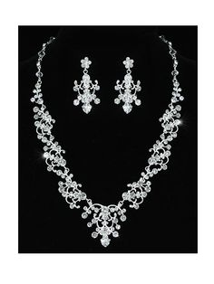 Grace - Vintage Style Clear Crystal Necklace with Chandelier drop Earrings