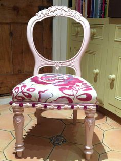 This beautiful balloon back chair would look lovely in a cozy bedroom!