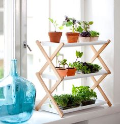 40 Best Plant Stand Decor Ideas That Will Make Your Home Stunning Now, folks love putting plants within the home. Indoor plants provide plenty of 40 Best Plant Stand Decor Ideas That Will Make Your Home Stunning Diy Plant Stand, Plant Stands, Plant Shelves, Plant Ledge, Garden Shelves, Desk Shelves, Herbs Indoors, Stand Design, Design Shop