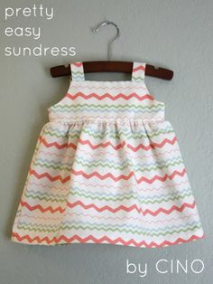 Pretty Easy Sundress Pattern at Baby girl boy kid kid Sewing Baby Clothes, Baby Sewing, Diy Clothes, Free Sewing, Clothes Refashion, Sewing Coat, Sundress Tutorial, Sundress Pattern, Clothing Patterns