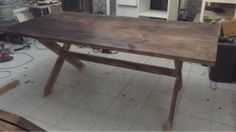 Mesa rustica de madera vendida en wallapop zona de ventas Madrid por 500 euros