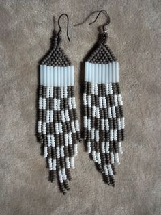 Checkered gray and white seed bead beaded by ArtskilsEarrings, $18.75