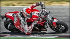 Ducati Monster 1200 R Sets Ridiculous Bar 0-to-60 in 3.2 Seconds -  #Ducatis #motorcycle #racing