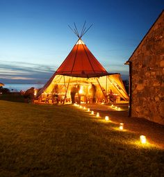 Is it tipi or teepee? Tipi Wedding, Wedding Reception, Wedding Venues, Dream Wedding, Wedding Cakes, Wedding Decor, Teepee Party, Teepee Tent, Festival Wedding