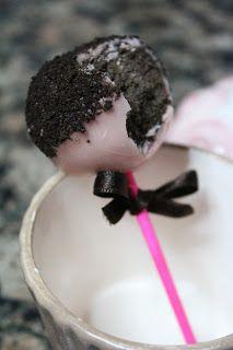 Cakepops de Oreo y Nutella. Receta en mi blog: http://mumascakes.blogspot.com.es/2013/08/deliciosos-cakepops-de-oreo-y-nutella.html