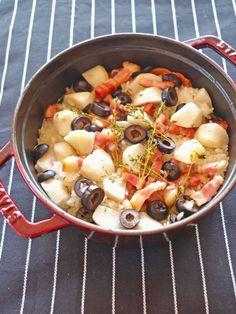 ポイントは炊く前に里芋のぬめりをきちんと取ること。炊き上がりの食感が断然よくなる。|『ELLE gourmet(エル・グルメ)』はおしゃれで簡単なレシピが満載!