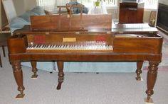 ANTIQUE SQUARE PIANO