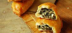 Пирожки со шпинатом, творогом и курицей | Кулінарні блоги, що надихають
