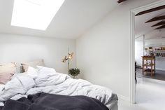Gravity Home, Source: Alexander White - Bedroom