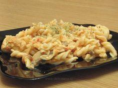 Spirale cu sos de roşii şi piept de pui - reţetă culinară