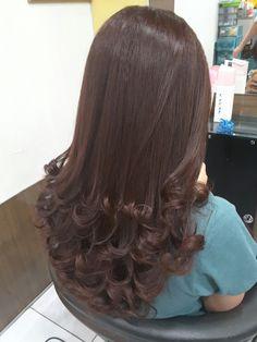 53 New Ideas Hair Styles Ideas For Medium Hair Curls Long Layered Hair, Long Hair Cuts, Curled Hairstyles, Hairstyles Haircuts, Bridal Hairstyles, Beautiful Long Hair, Gorgeous Hair, Medium Hair Styles, Long Hair Styles