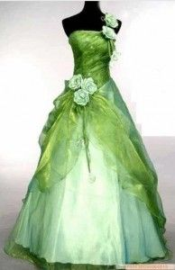 Another beautiful green dress!  I'd change the top though :p  I prefer dresses with some sort of sleeve. :)