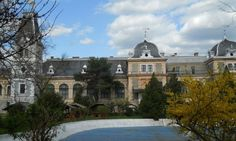 Cele mai frumoase castele din România FOTO: IuliuCezar92/Wikimedia Commons Mai, Mansions, House Styles, Home Decor, Decoration Home, Manor Houses, Room Decor, Villas, Mansion