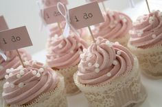 lace-wrapped cupcakes
