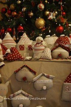 Country style: TILDA Christmas Wishes, Rustic Christmas, Christmas Diy, Xmas, Scented Sachets, Fabric Houses, Christmas Fabric, Sewing Toys, Fabric Dolls