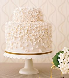 double height cake with flower motif