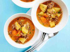 Juustoinen jauhelihakeitto http://www.yhteishyva.fi/ruoka-ja-reseptit/reseptit/juustoinen-jauhelihakeitto/014343