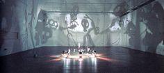 BOLTANSKI Christian (né en 1944), Théâtre d'ombres, 1984,  figurines en carton, papier, laiton, fil de fer, projecteur et ventilateur (les ombres des silhouettes d'un petit théâtre de marionnettes sont mouvantes,  projetées et agrandies sur le mur ;  elles évoquent tout aussi bien les jeux, les histoires et les peurs de l'enfance que les danses macabres  ou la tradition des théâtres d'ombres chinois et indonésiens).