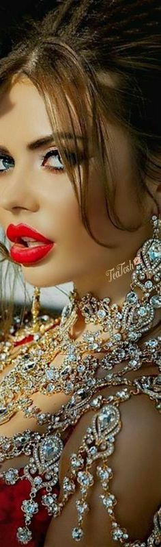 Beautiful Lips, Beautiful Models, Perfect Red Lips, Isnt She Lovely, Flawless Face, Friends Are Like, Model Gallery, Material Girls, Love Makeup