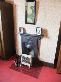 bedroom interior with Edwardian fireplace 1930s House Renovation, 1930s House Interior, 1930s Bedroom, Victorian Bedroom, Victorian House, Old Fireplace, Bedroom Fireplace, Fireplaces, Edwardian Fireplace