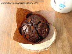Muffins doble chocolate mejorados | Tarta de manzana Starbucks, Cupcakes, Chocolate Muffins, Breakfast Bake, Cookies, Baking, Desserts, Food, Sweets