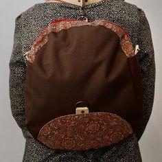 Atelier créAnne ✂️🧵👜👛🎒 sur Instagram: Et un petit sac Limbo 3 en 1, qui s'adapte à toutes les situations 😊 Réalisé en toile à sac et liège imprimé. La doublure est 100%…