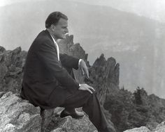 Happy 95 th. Pastor Billy Graham, Rev Billy Graham, Billy Graham Library, Prayer For Our Children, Franklin Graham, The Rev, Special People, Hard Times, Don't Give Up