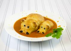 Crema de verduras con hipopótamos una receta de comida infantil decorada para sorprender a los peques.