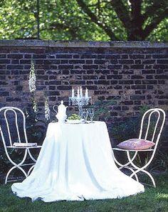 Mesa no quintal - Table at backyard