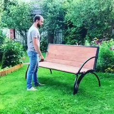 diy furniture videos Um banco de jardim que tambm uma mesa Folding Furniture, Space Saving Furniture, Home Decor Furniture, Garden Furniture, Furniture Decor, Furniture Plans, Furniture Projects, Outdoor Furniture, Refurbished Furniture