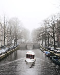 Another shot from that one foggy morning in Amsterdam. Have a lovely day!