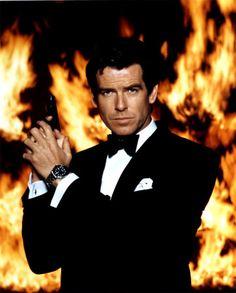 James Bond (Pierce Brosnan) (I love Sean Connery and Daniel Craig too, but Pierce is my Bond. James Bond, Pierce Brosnan 007, Top 10 Actors, Detective, Tv, How To Look Handsome, Sean Connery, Raining Men, Men Style Tips