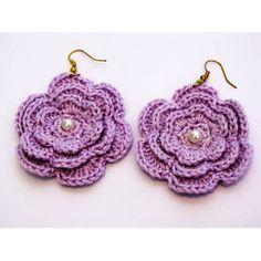 Brinco de crochê feito a mão com linha 100% algodão mercerizada.