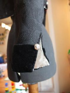 Trøye Vest, Accessories, Fashion, Troy, Moda, Fashion Styles, Fashion Illustrations, Jewelry Accessories