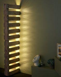 Pallet wall lamp