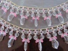 cobre jarras, Hobbies And Crafts, Diy And Crafts, Arts And Crafts, Beaded Crafts, Fabric Beads, Crochet Art, Ribbon Work, Diy Necklace, Beaded Lace
