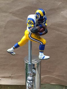 d4906c4b3d0 Los Angeles Rams Tap Handle NFL Football Beer Keg Kegerator Jerome Bettis  White Jersey St Louis