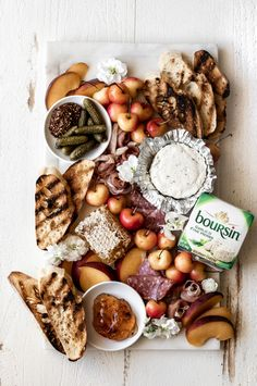 Boursin Cheese, Creamy Cheese, Charcuterie Recipes, Charcuterie And Cheese Board, Charcuterie Platter, Cheese Recipes, Cooking Recipes, Yummy Food, Recipes