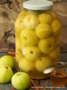 Jabłka kiszone z miodem i przyprawami korzennymi | Smaczna Pyza Fruit Recipes, Healthy Recipes, Grill Party, Creative Food Art, Fermented Foods, Canning Recipes, Cucumber, Food To Make, Mason Jars
