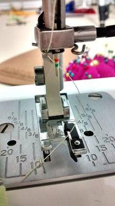 Cómo usar Prensatelas para bordes sobrehilados - Overlock Edge Presser Foot - Overcast Presser Foot. Aguja rota