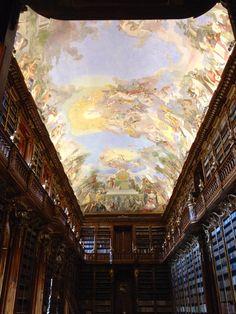 Erik Kwakkel_The splendor of Strahov Library